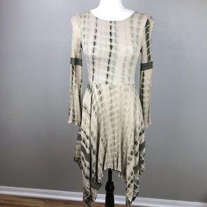 Doe & Rae | Green Batik Dye Long Sleeve Dress S